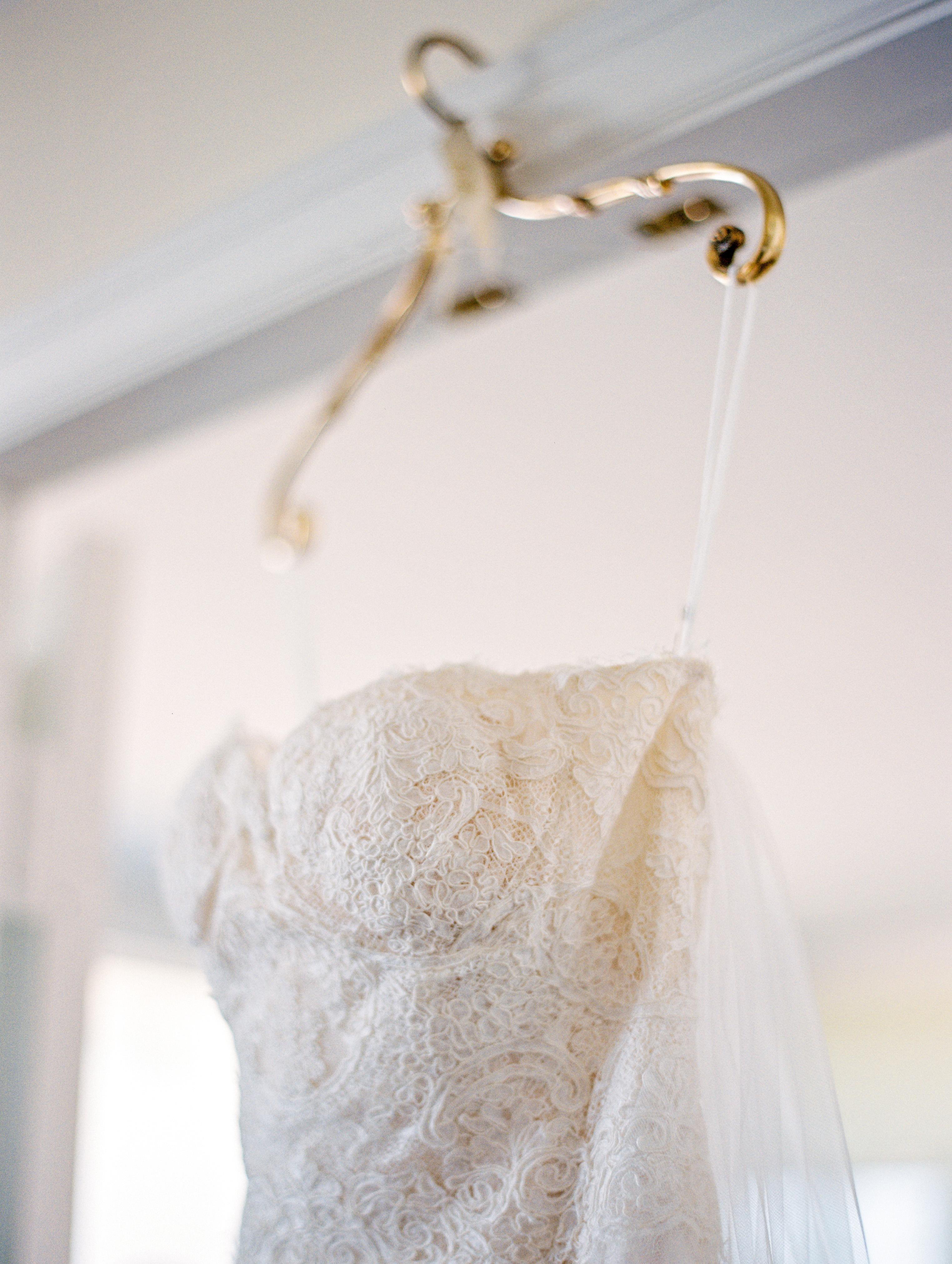 monique-lhuillier-wedding-gown-arielle